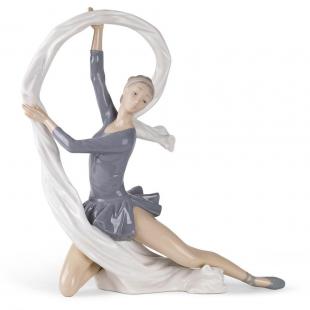 Nao DANCER WHIT VEIL ballerina