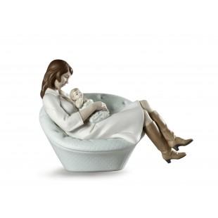 Lladrò Feels Like Heaven Mother Figurine Dormendo con la mamma