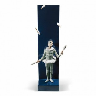 Lladrò Juggler with Clubs Figurine. Limited Edition Giocoliere con birilli