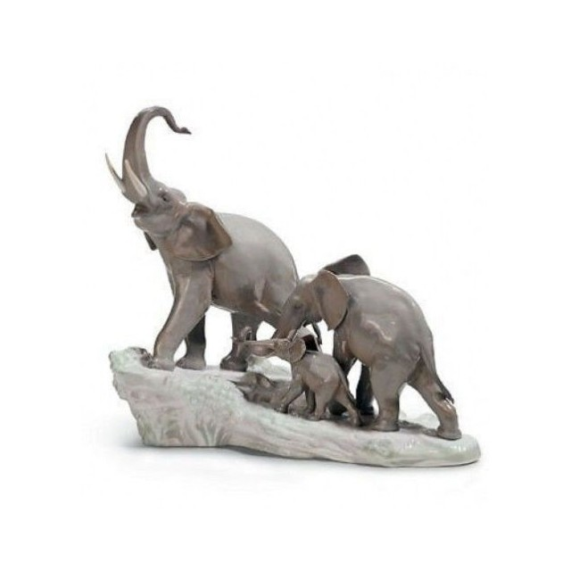 LLADRO' ELEFANTI elephants walking figurine