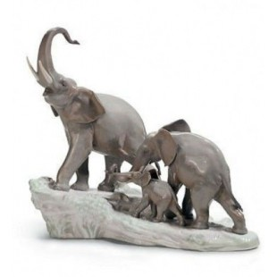 Lladrò ELEFANTI elephants walking figurine